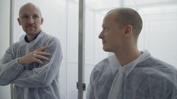 Scientists Nolan (left) and Hammond.