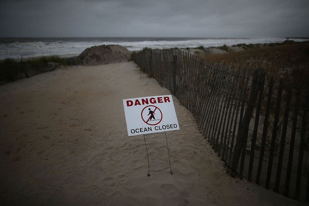 Mid-Atlantic Coast prepares for Hurricane Sandy