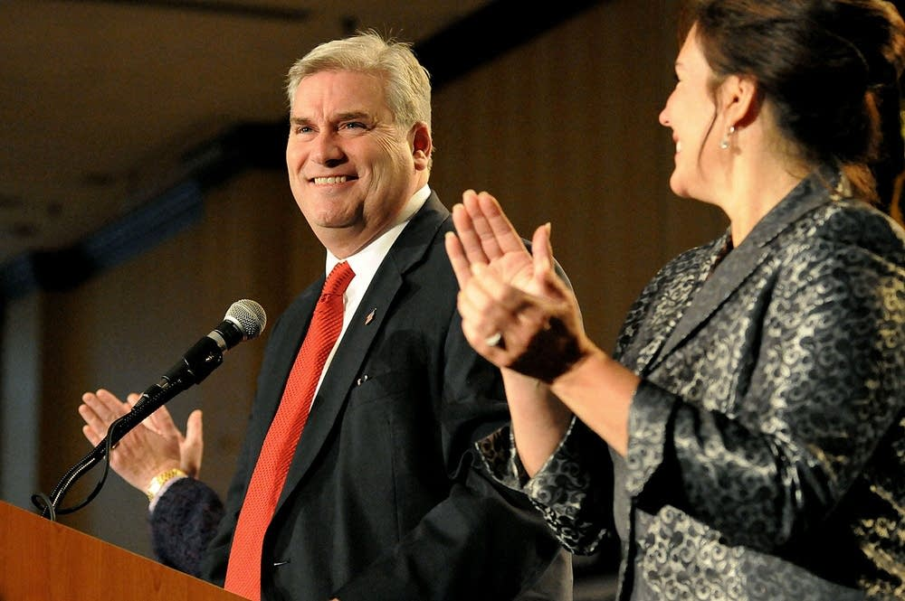Emmer speaks to supporters