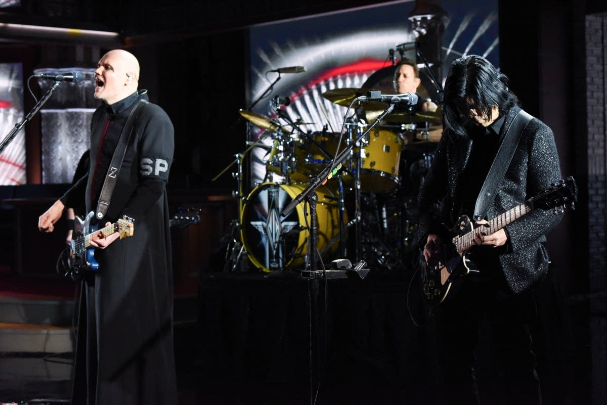 Smashing Pumpkins perform on 'The Late Show with Stephen Colbert'