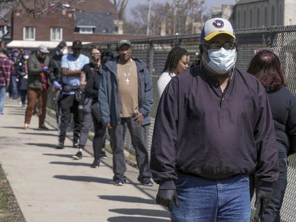 Wisconsin voting lines during coronavirus