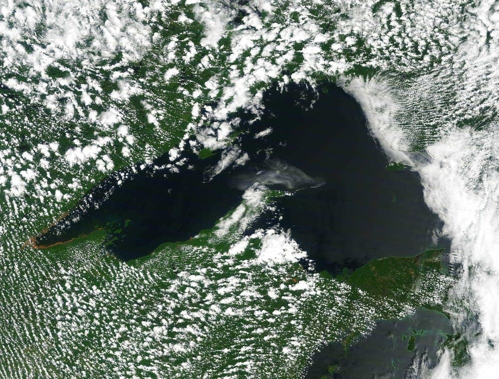 Lake Superior satellite image
