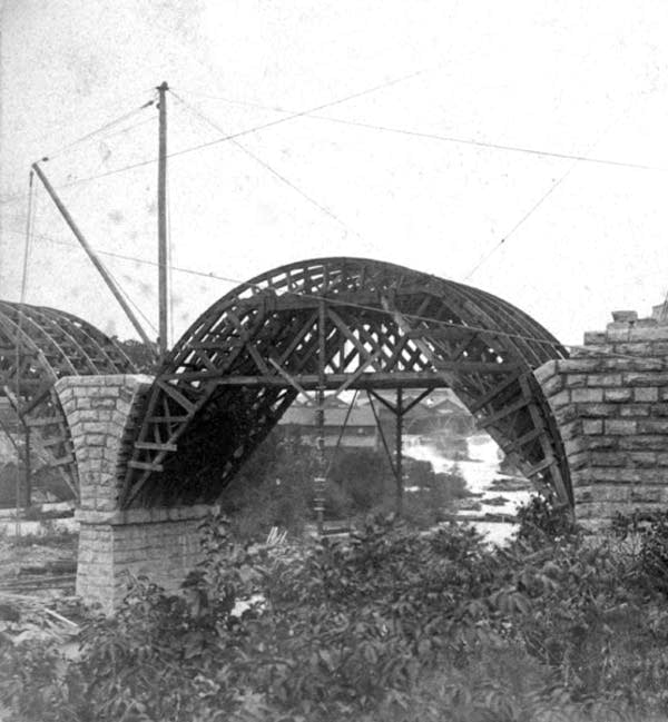 Consturction of the Stone Arch Bridge in 1883