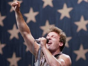 Joni Mitchell vs. Bruce Springsteen: Match #26
