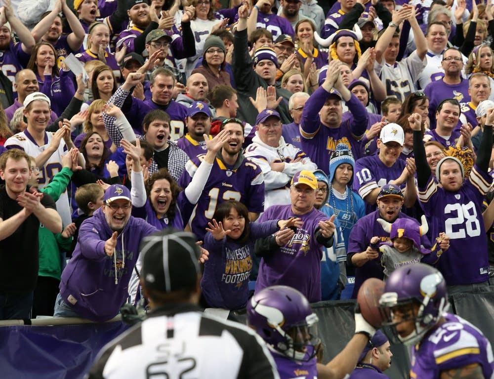 Cheering final touchdown