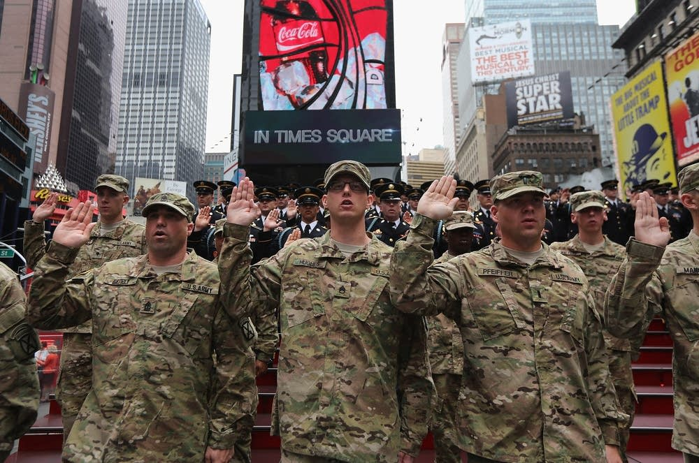 Recruits sworn in in Times Square