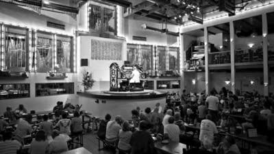 583d94 20160923 wurlitzer at organ stop pizza mesa az