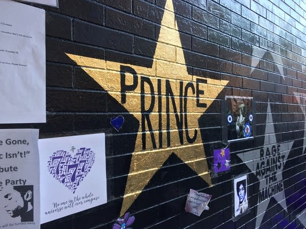 Prince's star on the wall of First Avenue