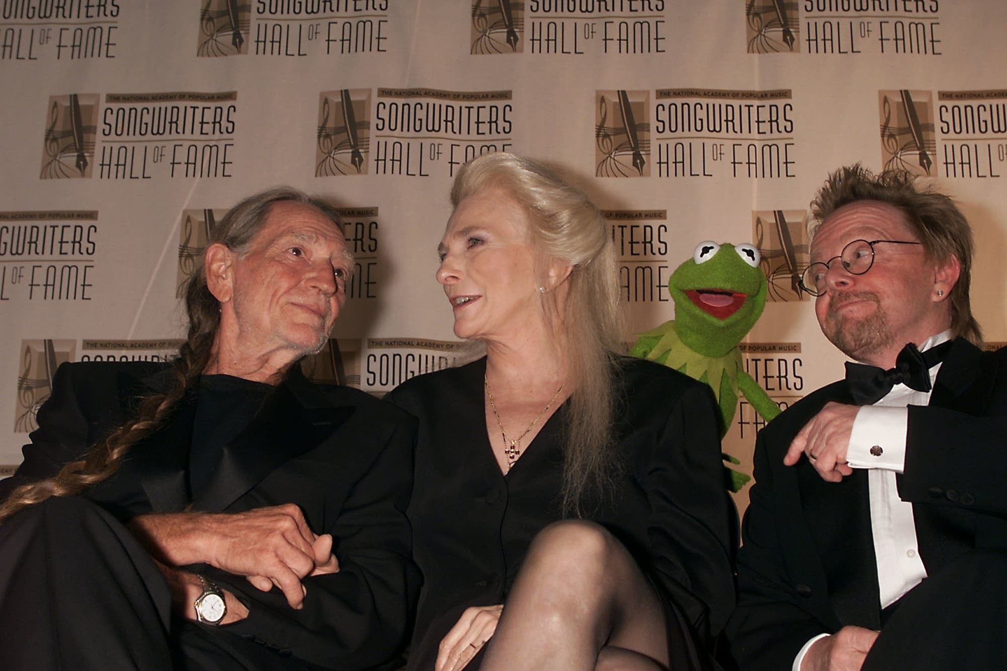 Willie Nelson, Judy Collins, Kermit the Frog and Paul Williams