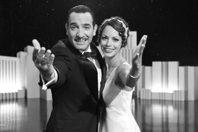Still of Berenice Bejo and Jean Dujardin