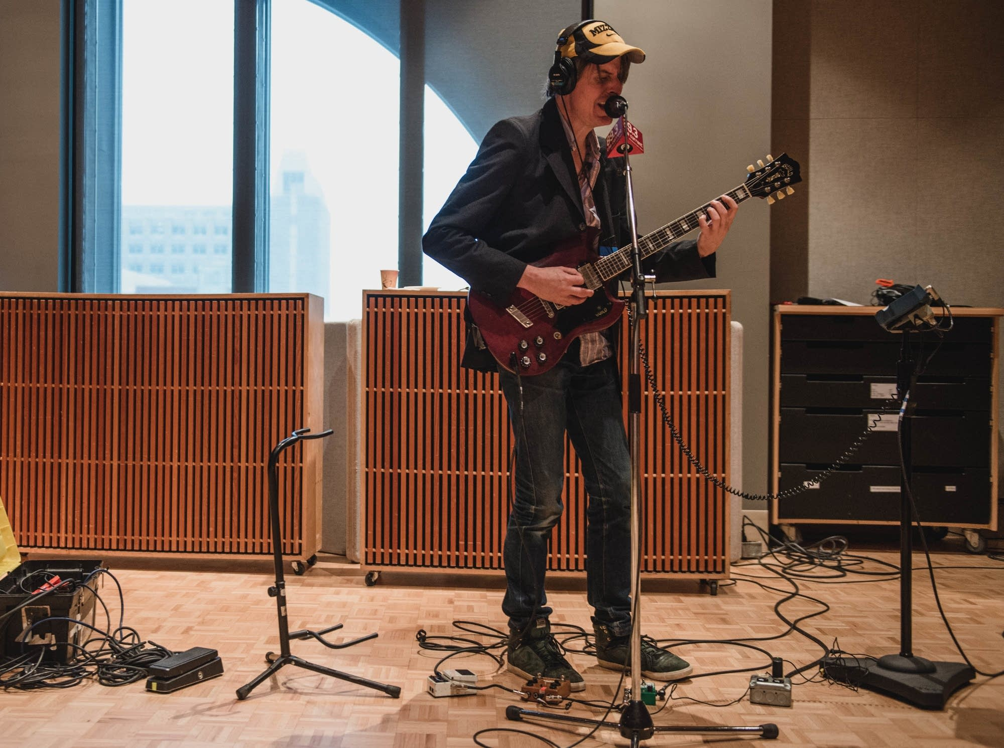 stephen malkmus in studio singing guitar