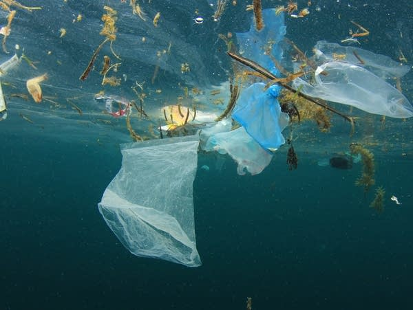 Plastic ocean pollution