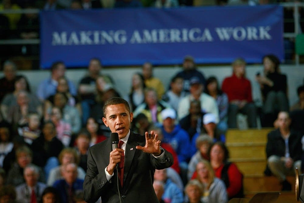 President Obama ttends town hall meeting