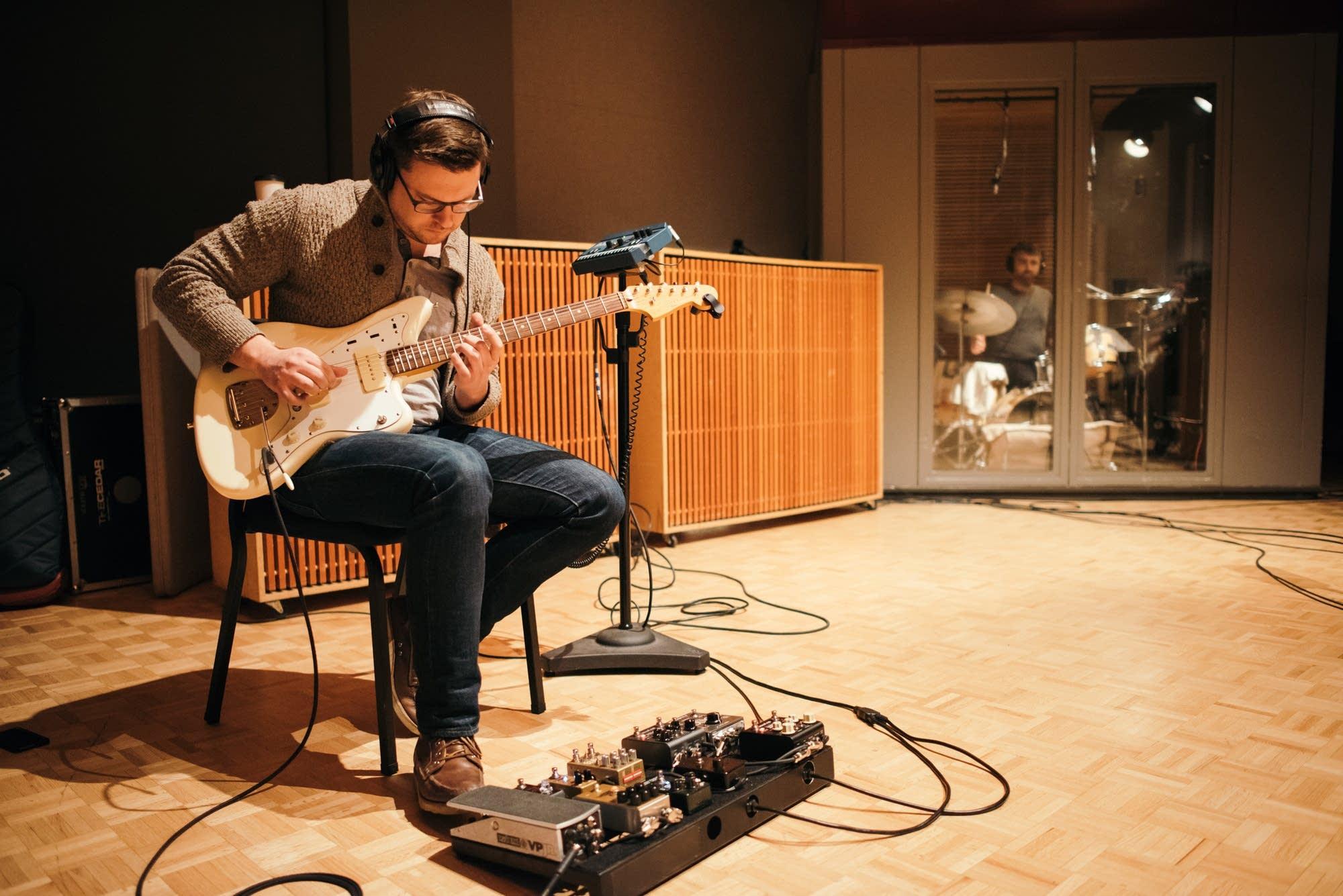 Robert Mulrennan performs in The Current studio