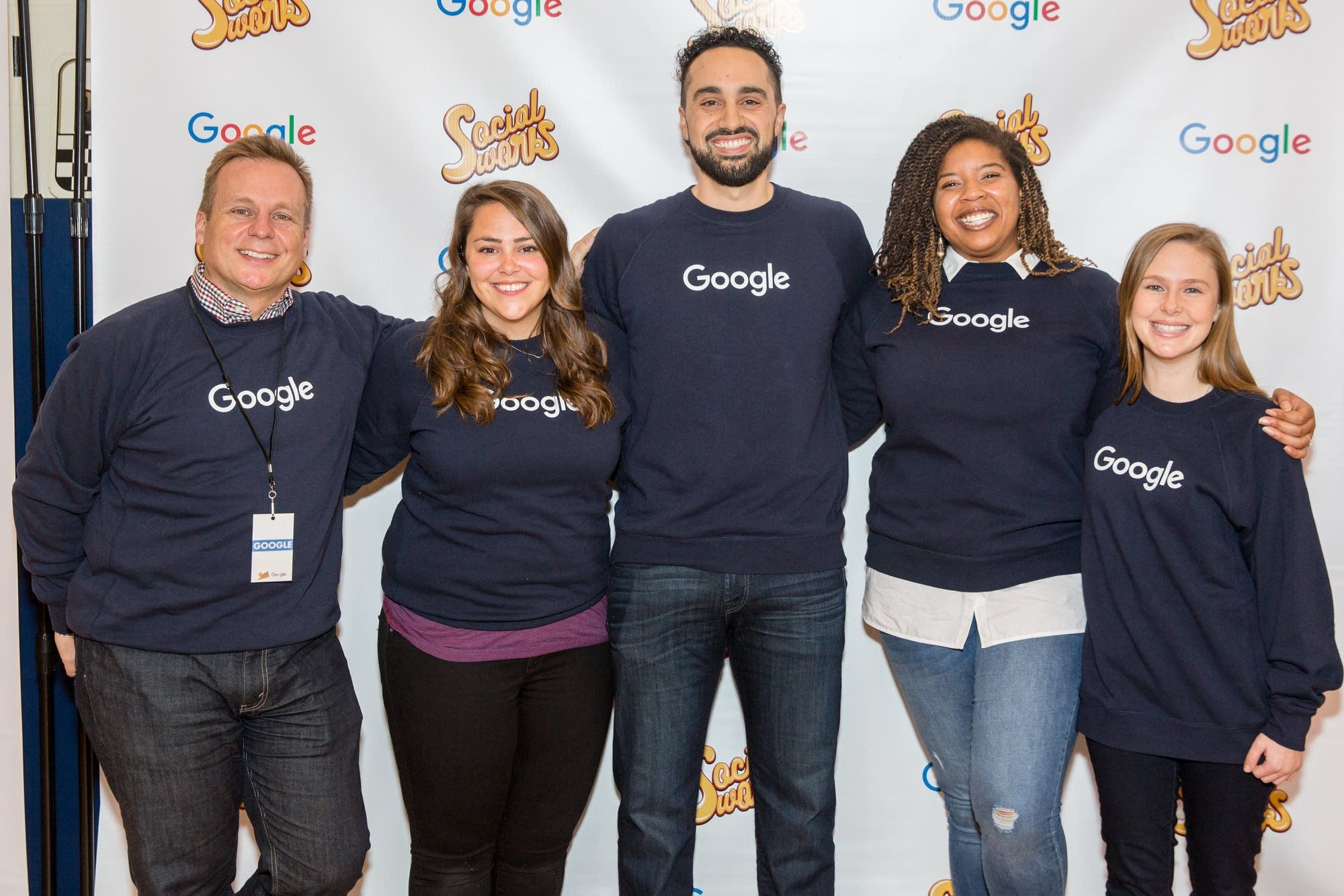 Google team assisting computer education in Chicago schools