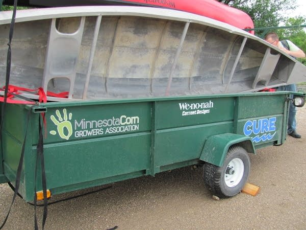 Canoe transport