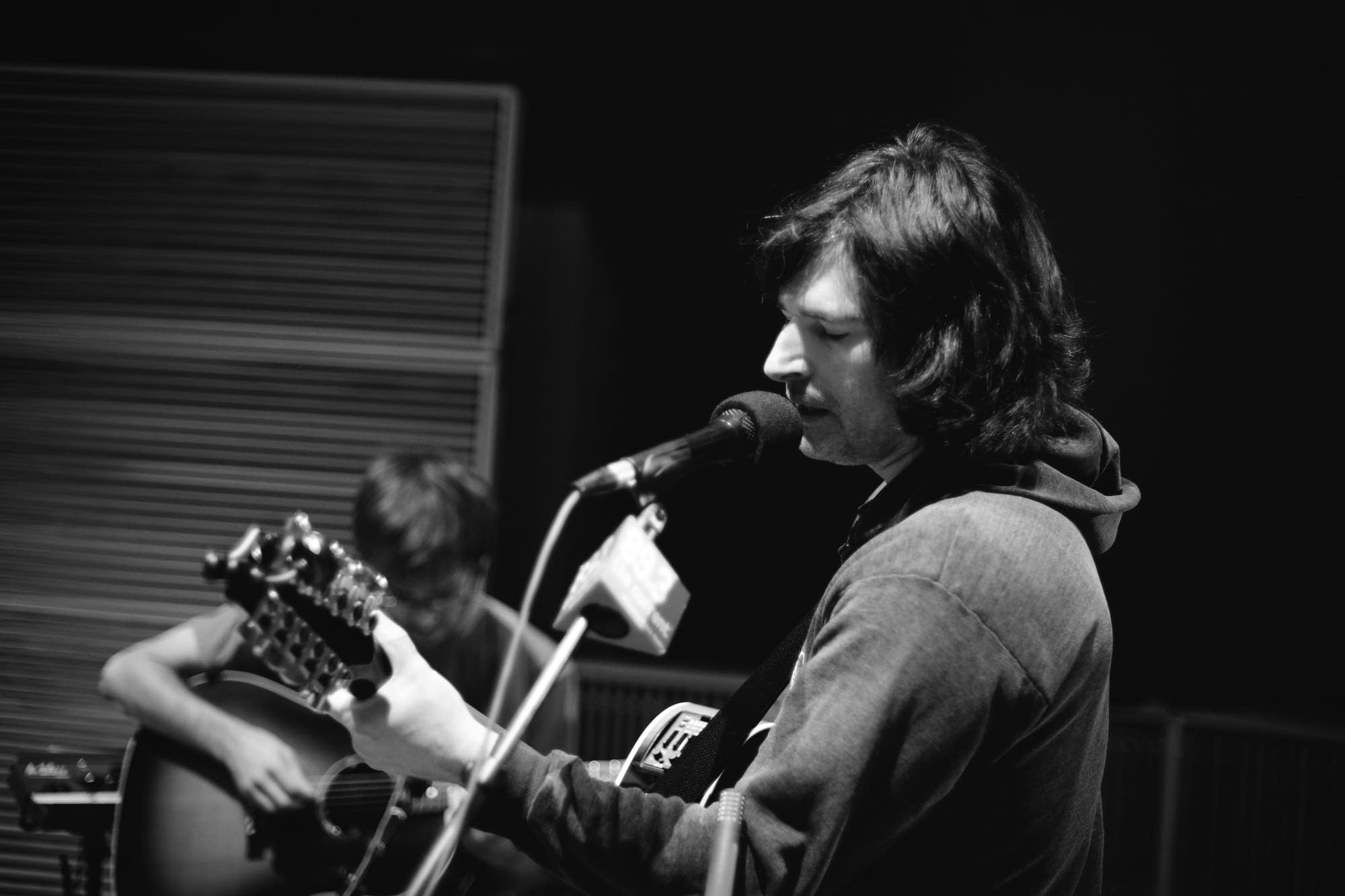 Pete Yorn performs in The Current studio