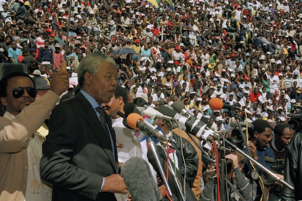 Nelson Mandela addresses rally