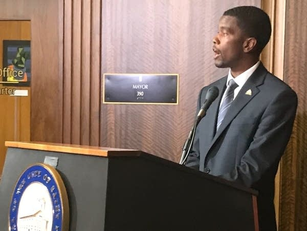 St. Paul Mayor Melvin Carter gives remarks.