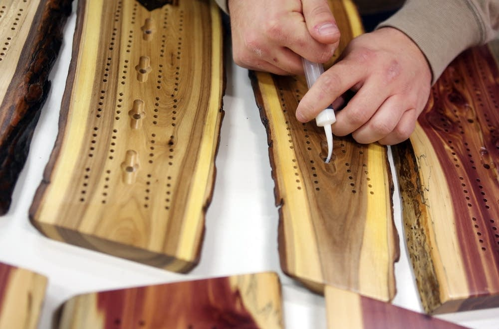 Gluing cribbage boards