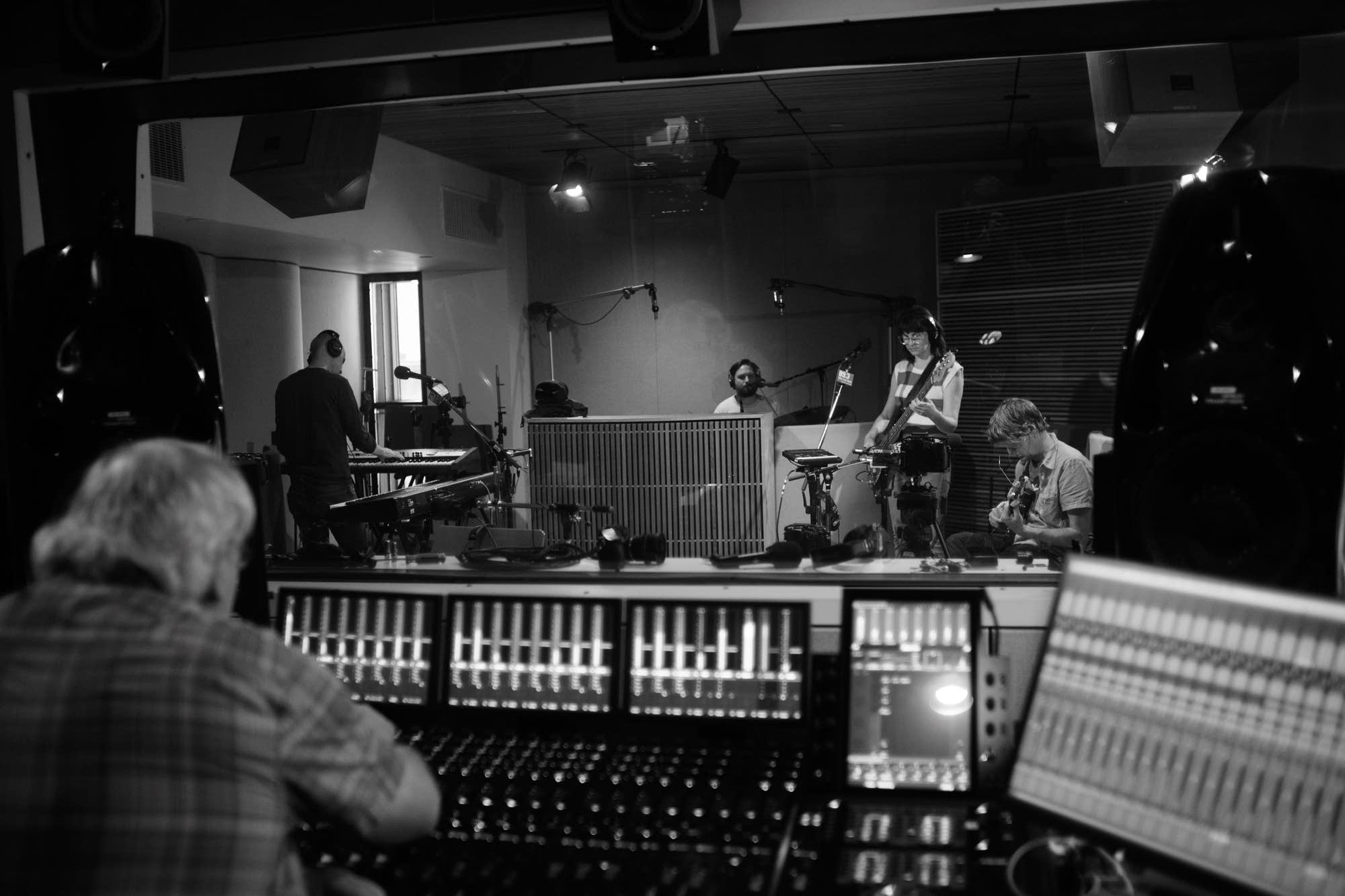 Stephen Malkmus and the Jicks perform in The Current studio