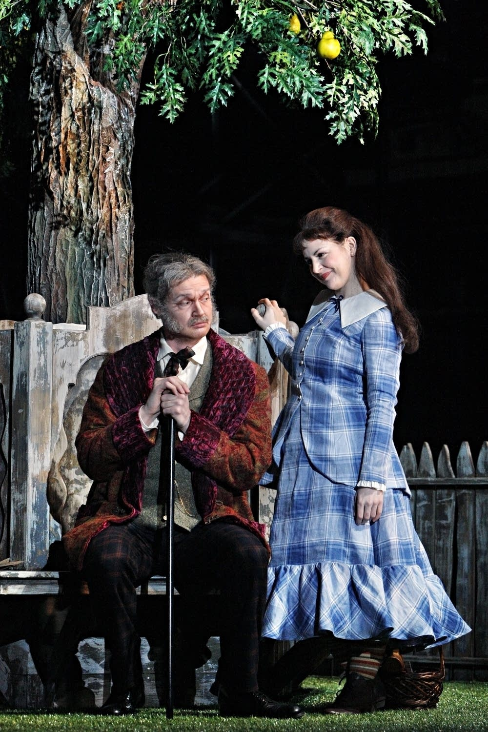 Beutel as Le Bailli and Mortellaro as Sophie