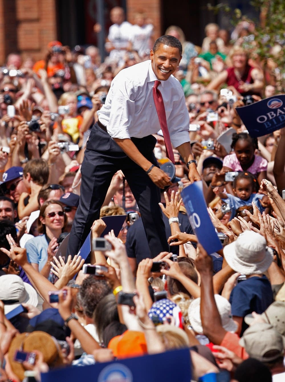 Obama greets supporters