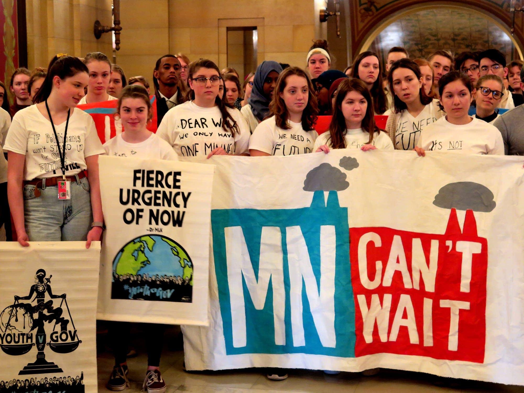 Minnesota Teenagers ask Gov. Walz to act on climate change.