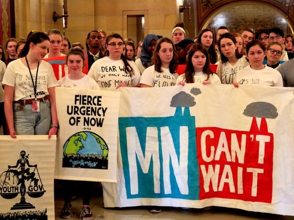 Minnesota Teenagers ask Gov. Walz to act on climate change.