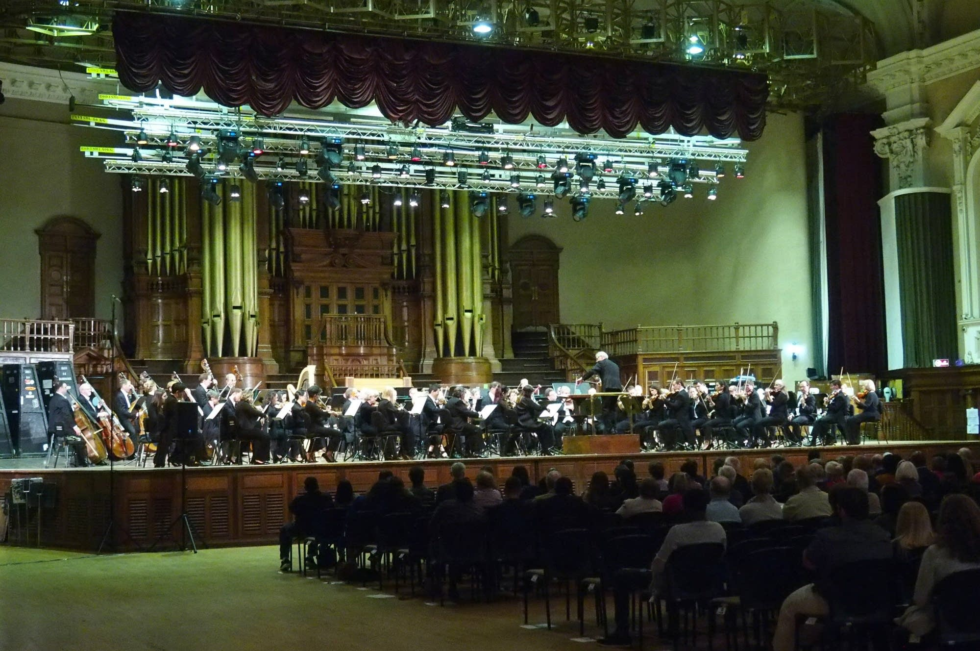 The Minnesota Orchestra on stage at the Durban City Hall.