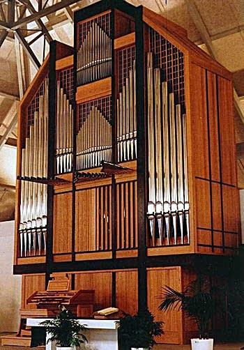 1991 Letourneau organ at West End Christian Reformed Church, Edmonton,...
