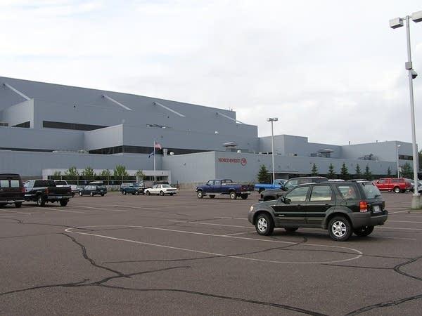 NWA's Duluth Airbase