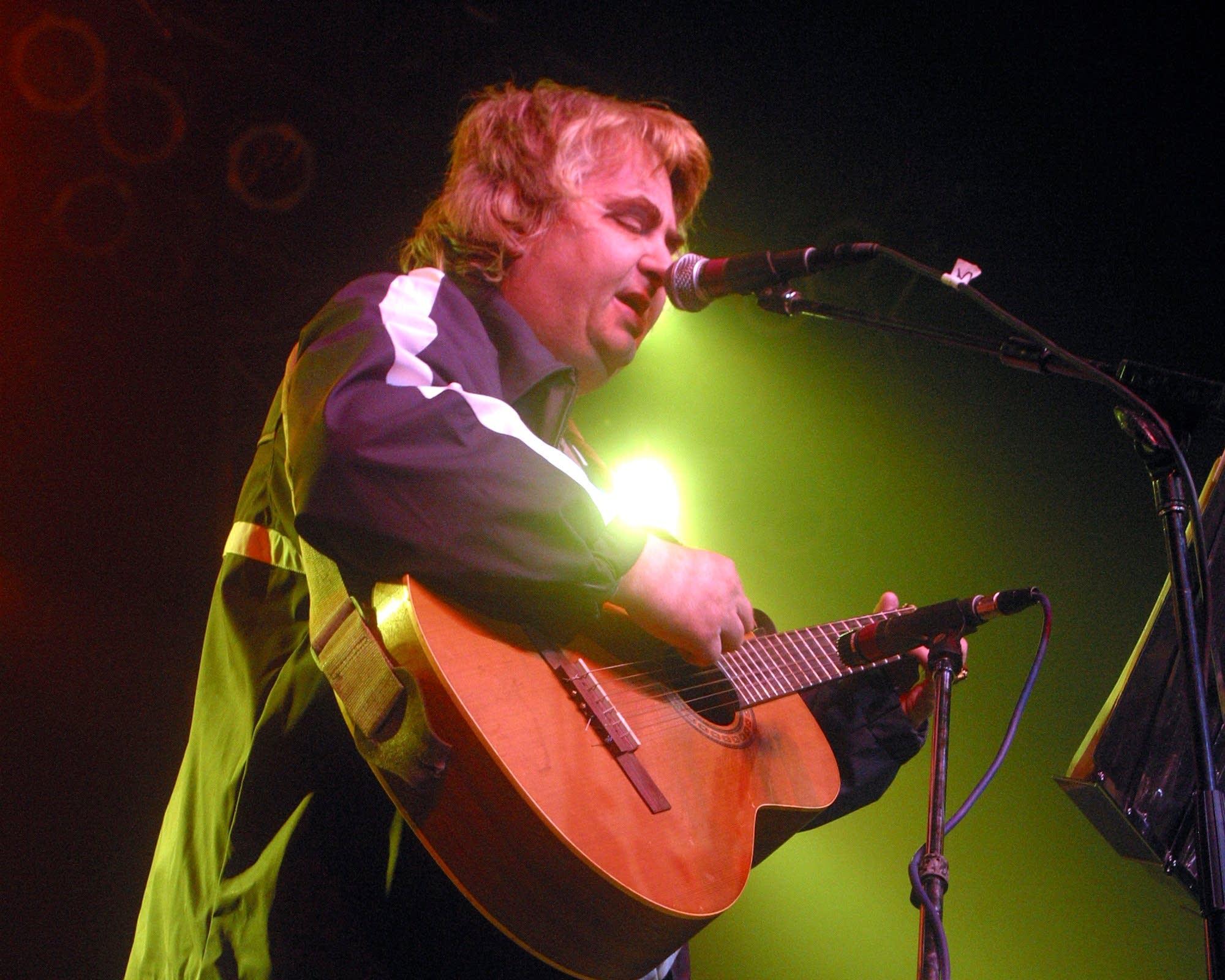 Daniel Johnston performing at SXSW 2005