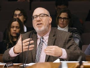 Rep. Frank Hornstein (DFL) voices his support for an amendment