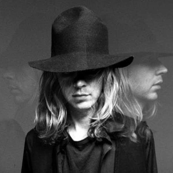 Singer / Songwriter Beck