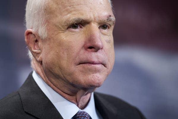 Умер американский сенатор Джон Маккейн