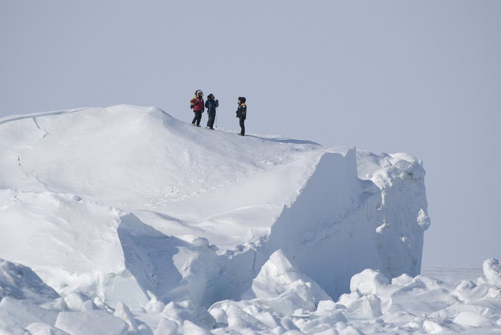 Will Steger leads Ellesmere Island Expedition