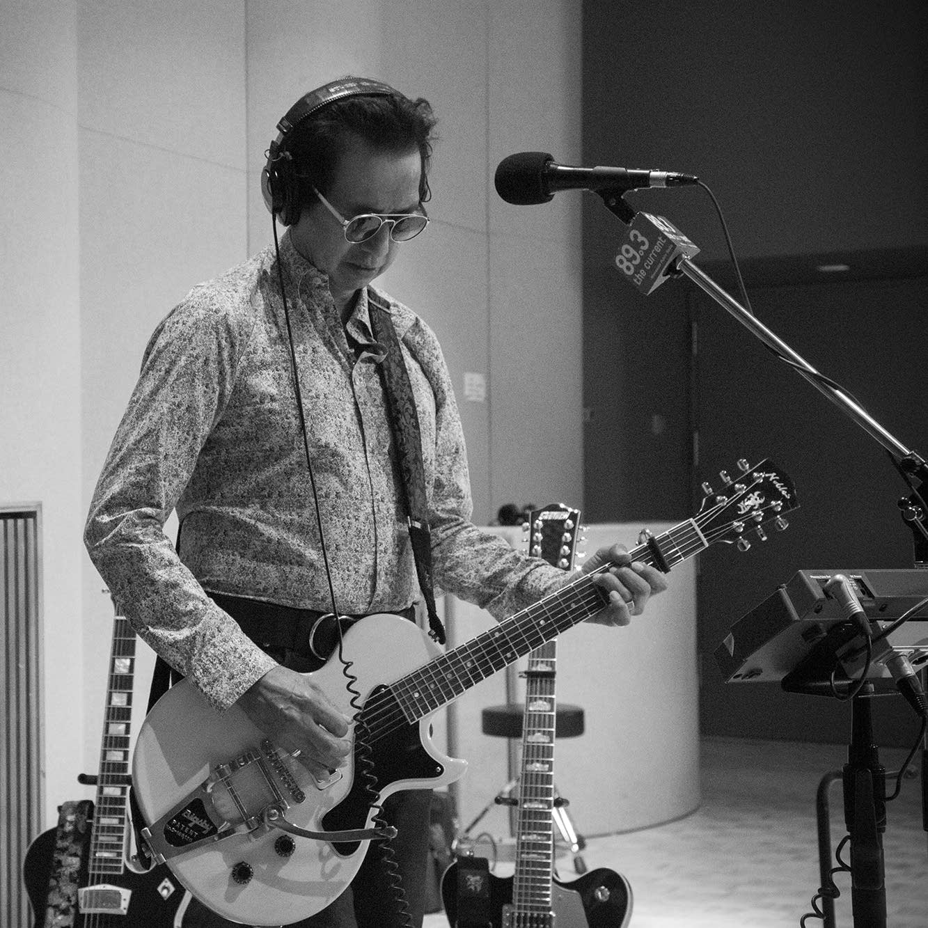 Alejandro Escovedo in studio
