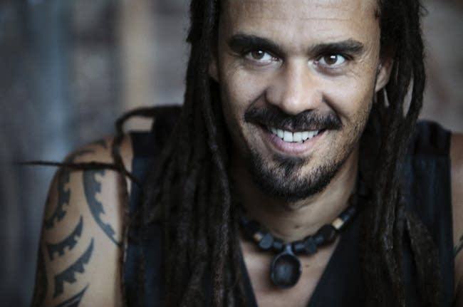 : Michael Franti and Spearhead