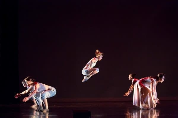 Threads Dance Project presents In the Margins
