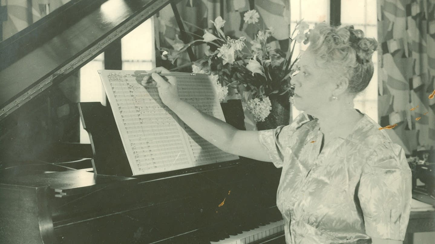 Florence Price at the piano.