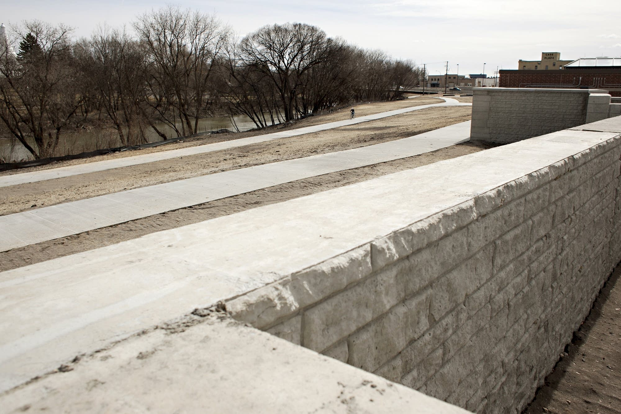 Recreation paths parallel to the Red River and a new flood wall