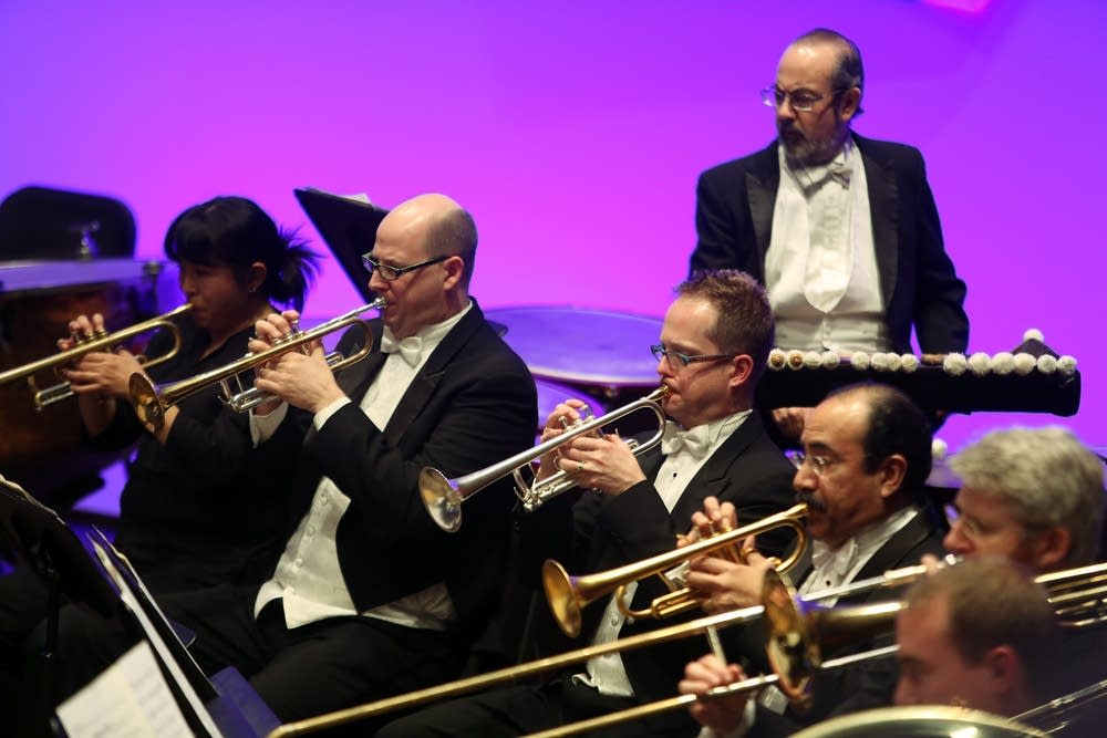 Minnesota Orchestra musicians play together
