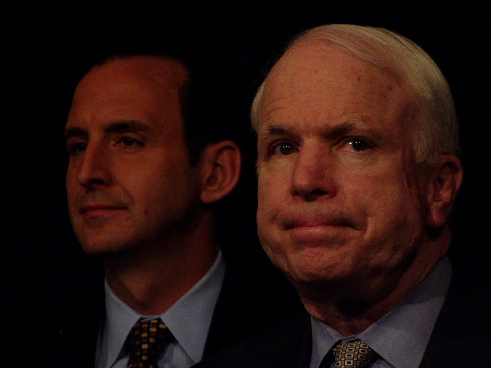 McCain backs Pawlenty
