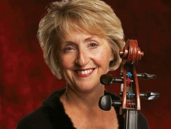 Cellist Mina Fisher