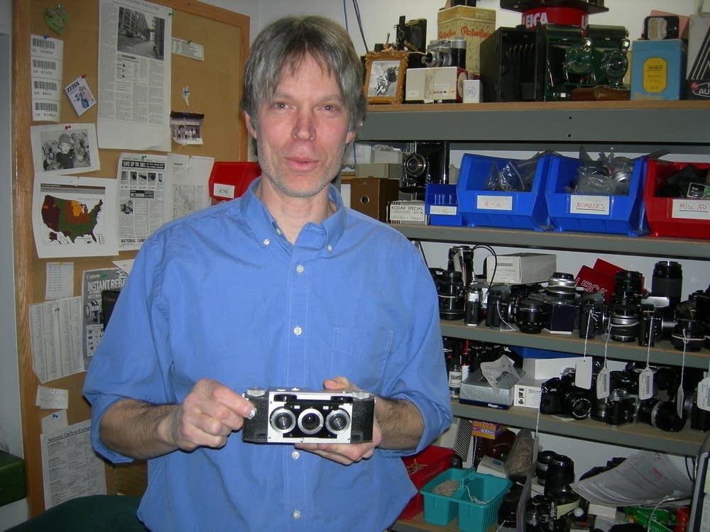 Vintage 3-D camera