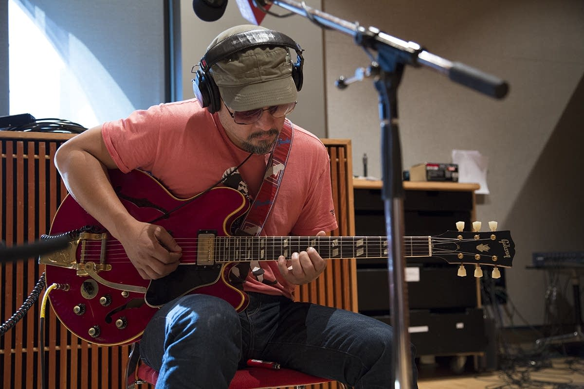 Pixies, Joey Santiago