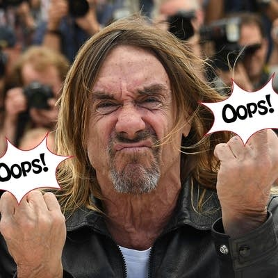 Cecab8 20160824 iggy pop gives the fingers
