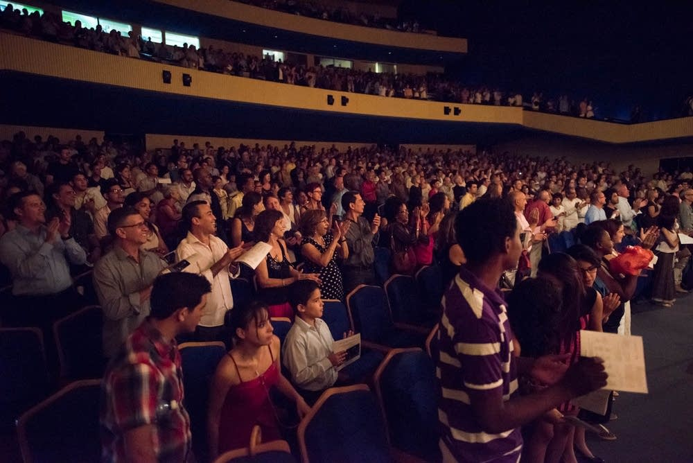 The audience applauded during the Cuban anthem.
