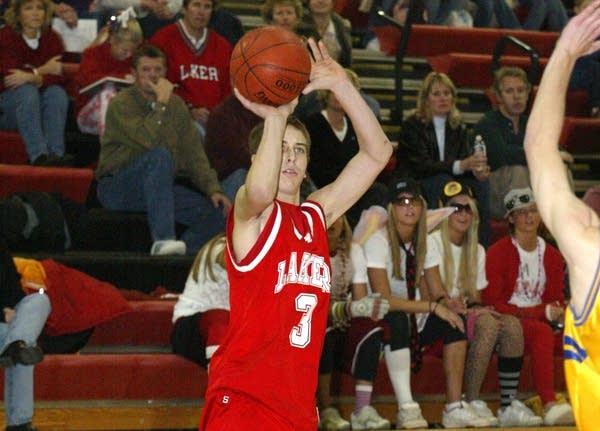 Adam Thielen playing basketbal at Detroit Lakes High School in 2005.